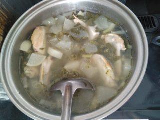 鶏手羽のスープ